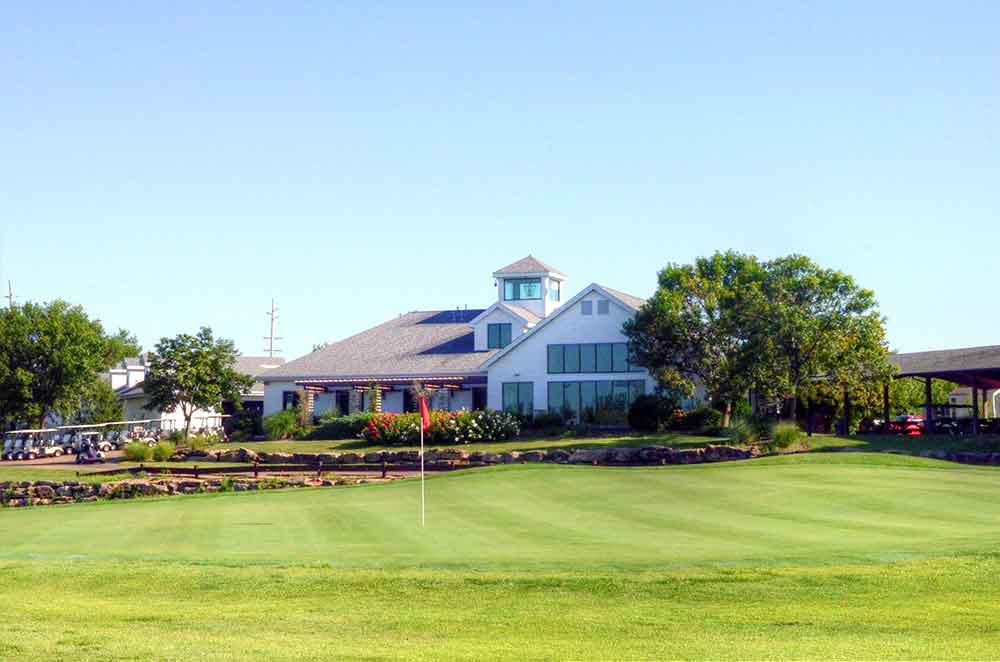 The-Links-at-Dardenne,-O'Fallon,-MO,-Club-House