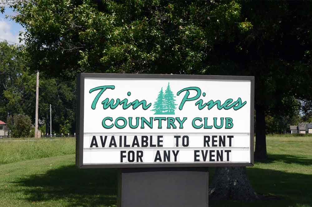 Twin-Pines-Country-Club,-Harrisonville,-MO-Sign