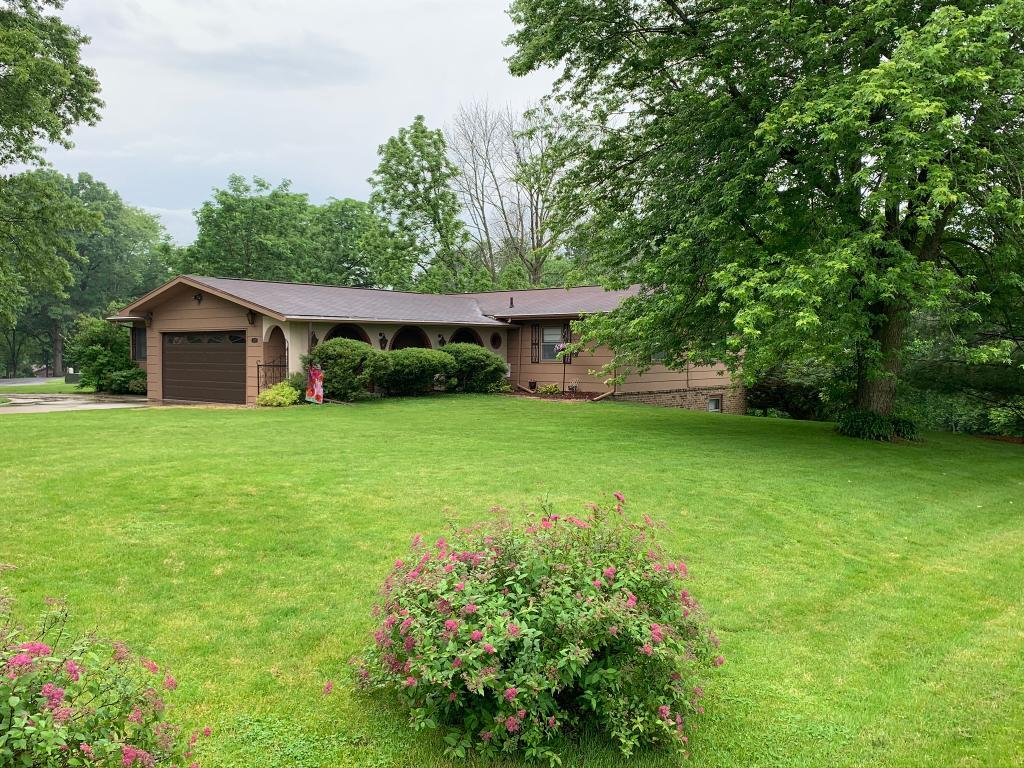 3001 Hickory, Mt. Pleasant, Iowa 52641, 4 Bedrooms Bedrooms, ,2.25 BathroomsBathrooms,Homes,For Sale,Hickory,1038