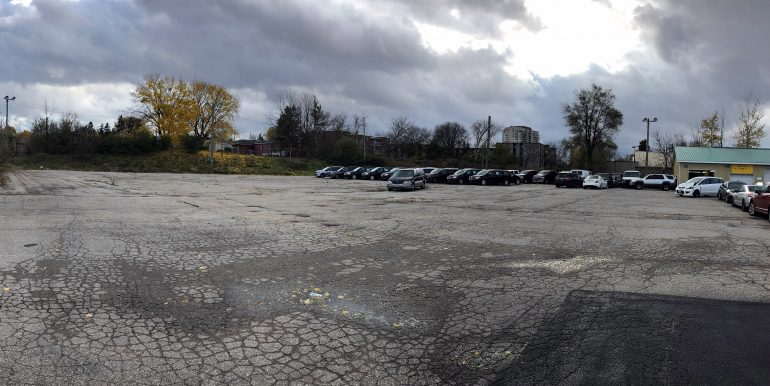 95 Bridgeport Rd. E. 1B - Parking Lot Picture 2
