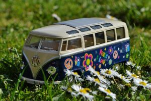 Model Car: Vintage VW Bus