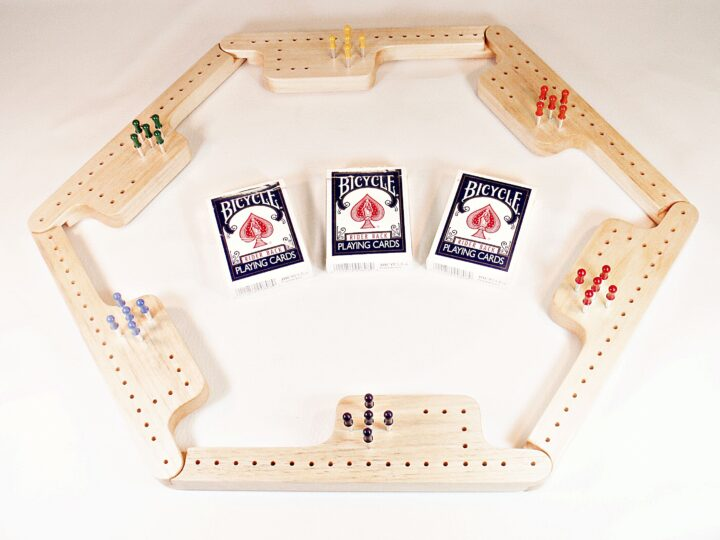 Pegs & Jokers Game Set - Aspen