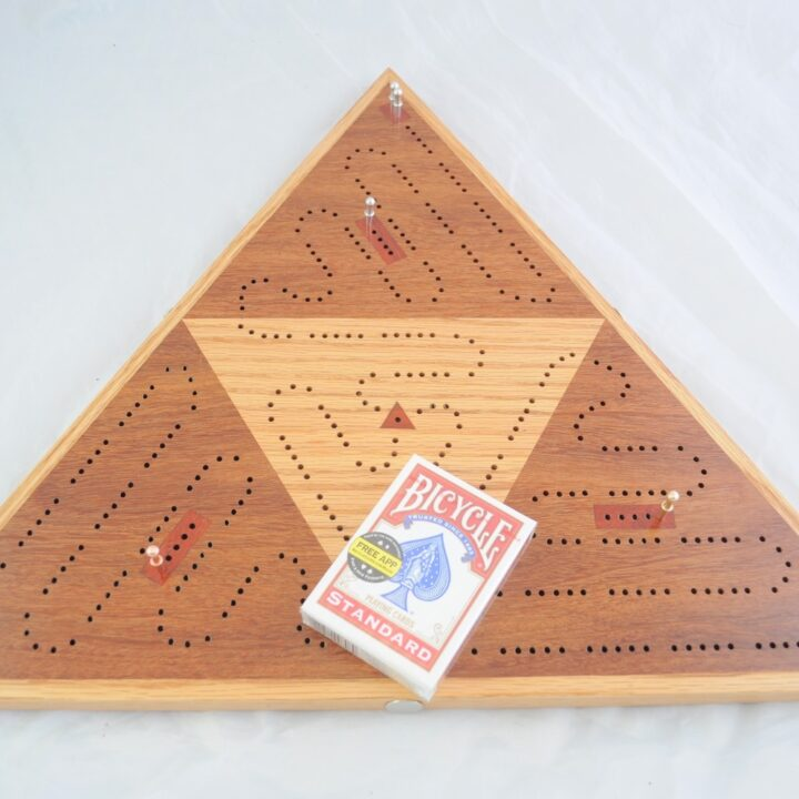 Triangle 3 Player Cribbage Race Board - Cumaru & Red Oak with Padauk Inlays Top Playing