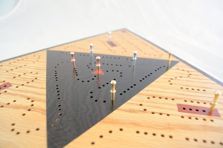 ICB-0041 Triangle Cribbage Board Red Oak & Wenge with Padauk Side