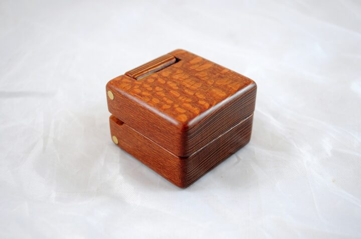 Ring Box Closed Right - Leopardwood & Lacewood