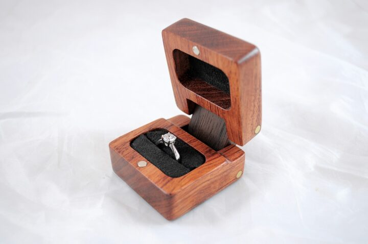 Ring Box - Bubinga & Peruvian Walnut - Side Open