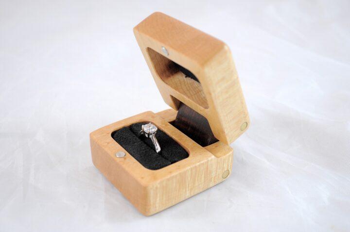 Ring Box - Birdseye Maple & Roasted Curly Maple - Side Open