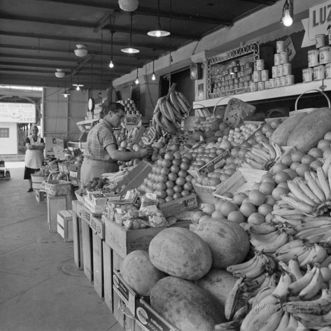 Market on Decatur Street in New Orleans