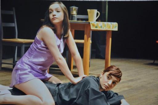 """Una scena di Vita in """"Gioco"""", con Matina Galletta ed Elisa"""