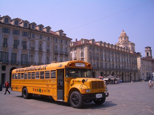 Il Bus Bakeca in Piazza Castello