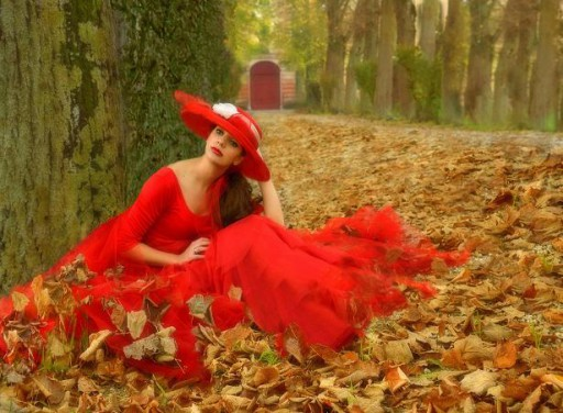 """""""Red Door"""". Autumn exaltation of feminine ethereal beauty and the 'red"""" color of great visual impact. It won everywhere, but especially in America."""