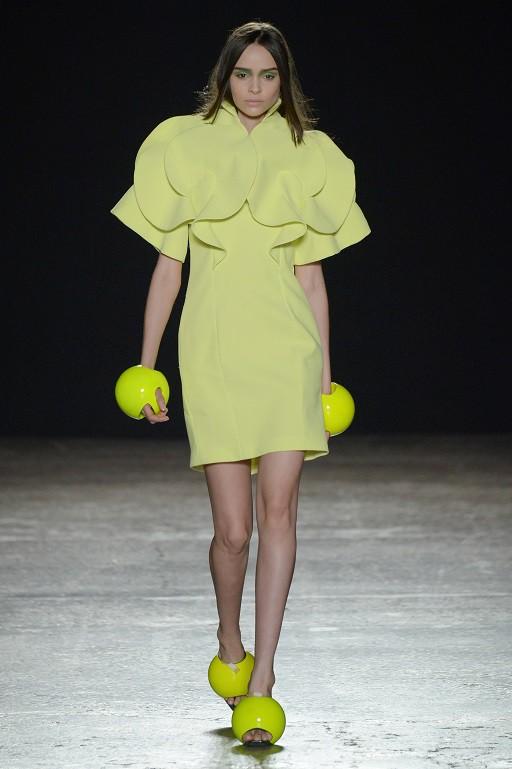 Dalla collezione di Atsushi Nakashima (Photo by Victor Boyko/Getty Images for IMG Fashion)