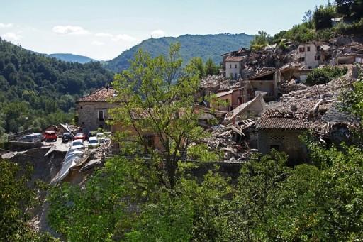 Terremoto del 2016 a Pescara delTtronto. (Foto di Raffaele Azzaro)
