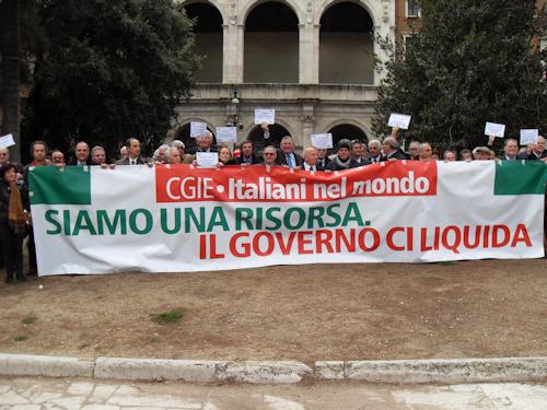 L'On. Gianni Farina Risponde Alla Proposta  Ministero degli Affari Esteri Di Tagli Dei Com.It.Es.