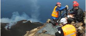 Esplosioni vulcaniche in 3D con telecamere sincronizzate