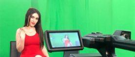 Italian host Viola Manuela Ceccarini brings the latest explosive celebrities gossip on Super Canal.