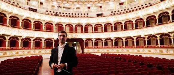 ANDREA VITELLO, la bacchetta italiana del repertorio contemporaneo.
