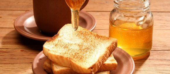 Il miele, elisir prezioso per una pelle giovane e luminosa