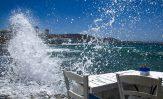 Travolti dalle onde del mare di Mykonos.  Capri Incontra 2020
