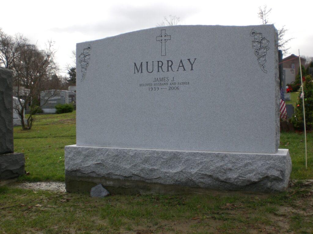 Family Monument 79