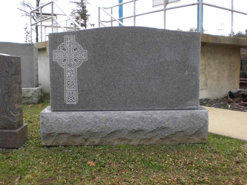 Family Monument 86