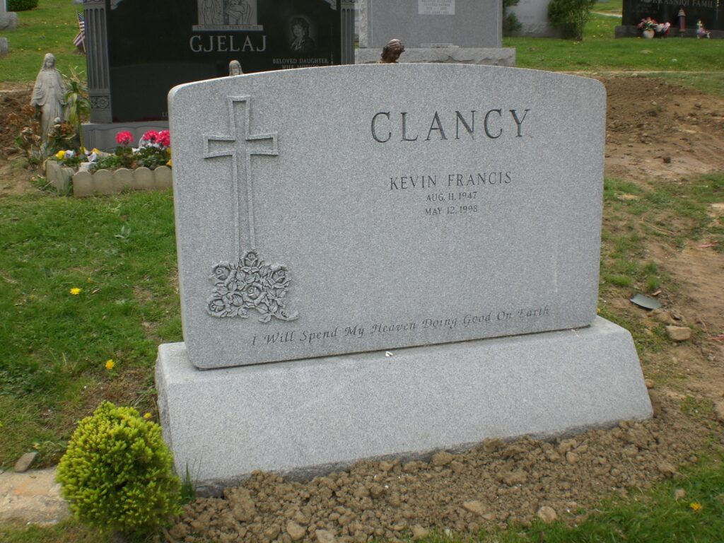 Family Monument 34