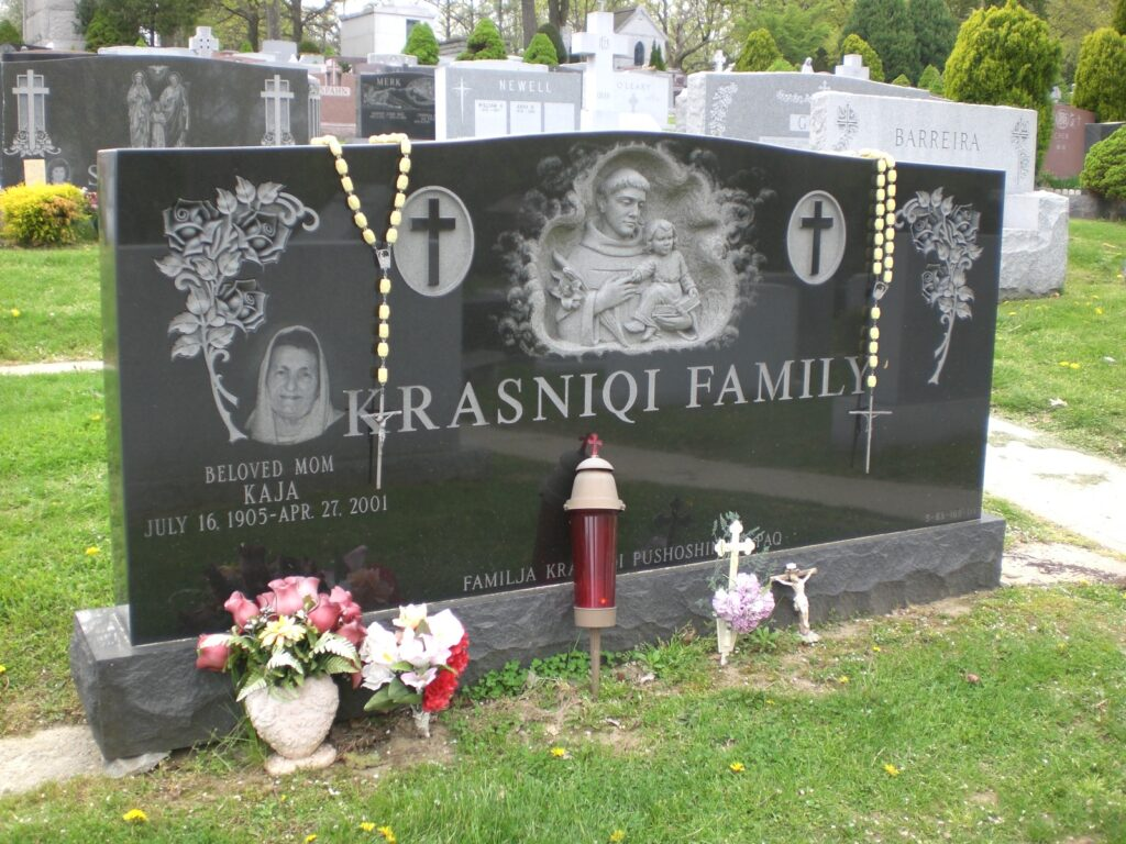 Family Monument 42