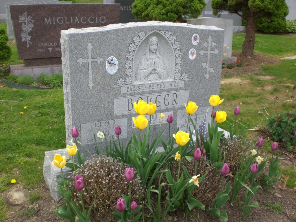 Family Monument 66