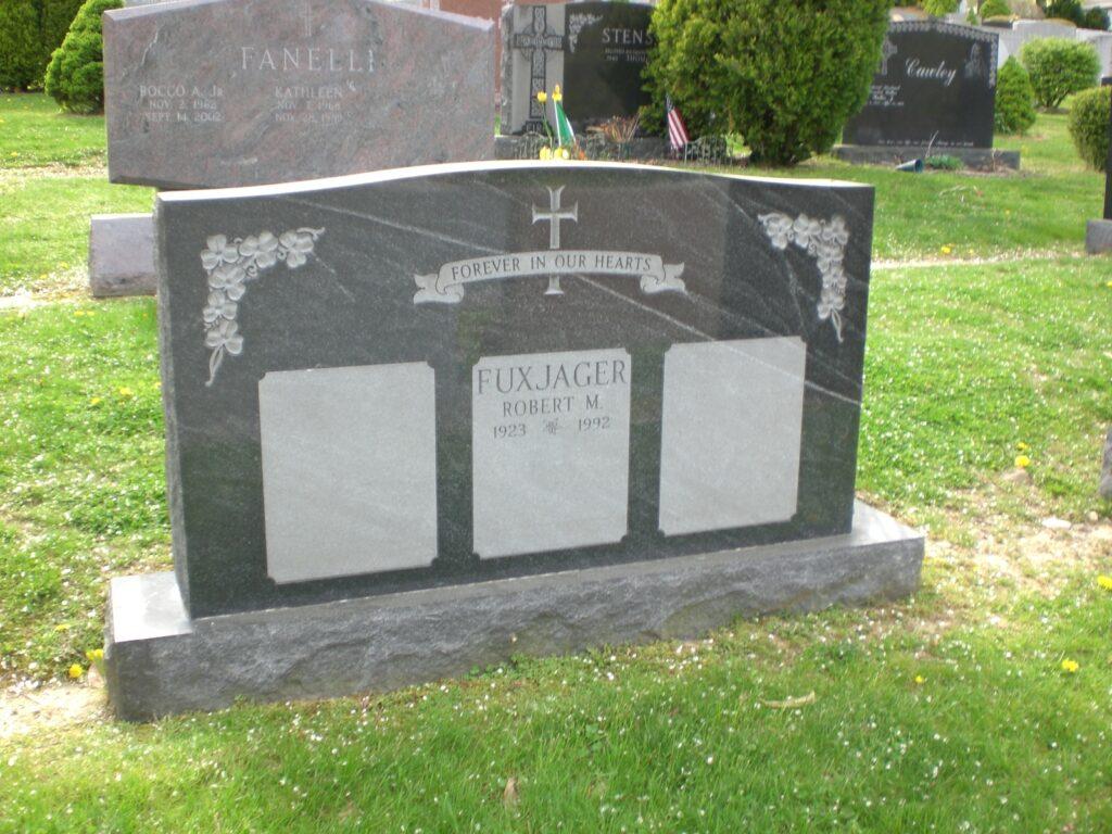 Family Monument 71