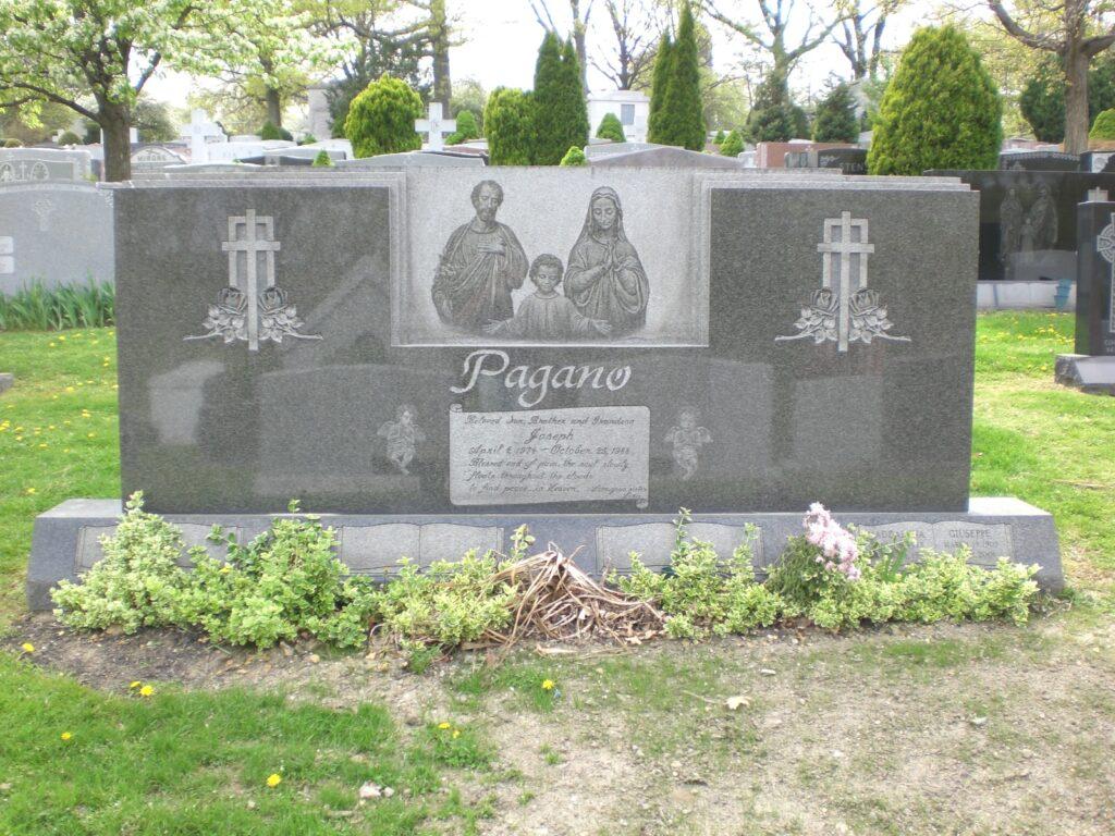 Family Monument 74