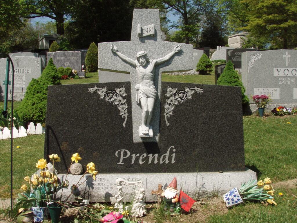 Family Monument 45