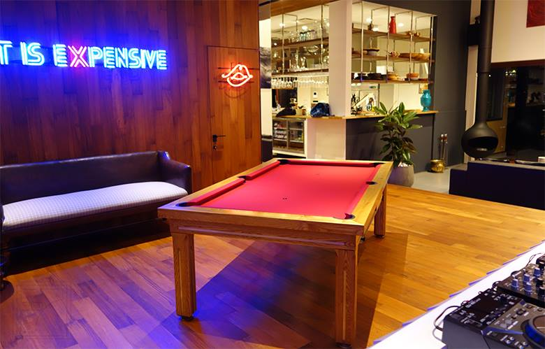 Newlyn Convertible Table, Japan
