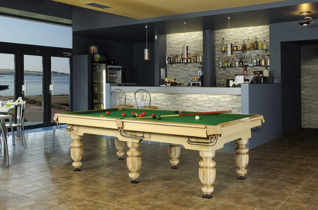 9' size Provijus pool table natural Oak Vision Billiards