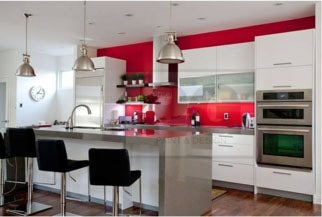 interior painting of kitchen accent wall in Ottawa house by painters PG PAINT & DESIGN