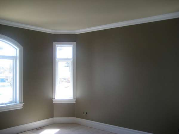 painting of a room with gray paint on walls, white painted ceilings and baseboards by painters in Ottawa PG Paint & Design