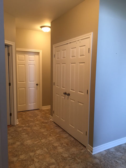 hallway professionally painted by PG PAINT & DESIGN painting company in Ontario Ottawa
