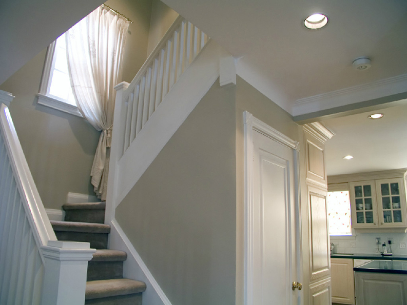 interior of a house painted by professional painter PG PAINT & DESIGN in Ontario Ottawa