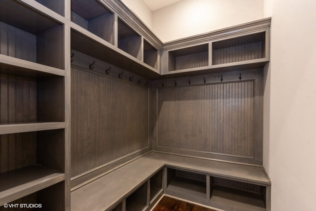 14_16208StearnsSt_195_Mudroom_HeartlandMLS_1200x800