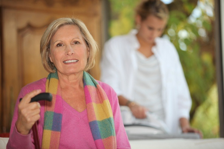 20 Questions: Your Checklist for Finding an Assisted Living Community for Mom