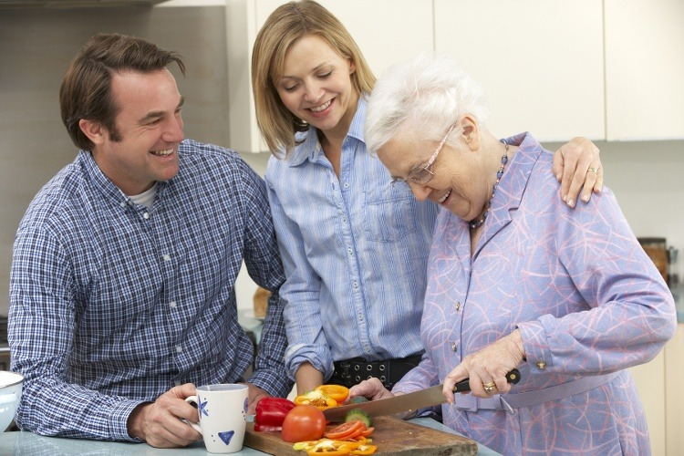 When Is the Right Time to Seek Memory Care for Mom?