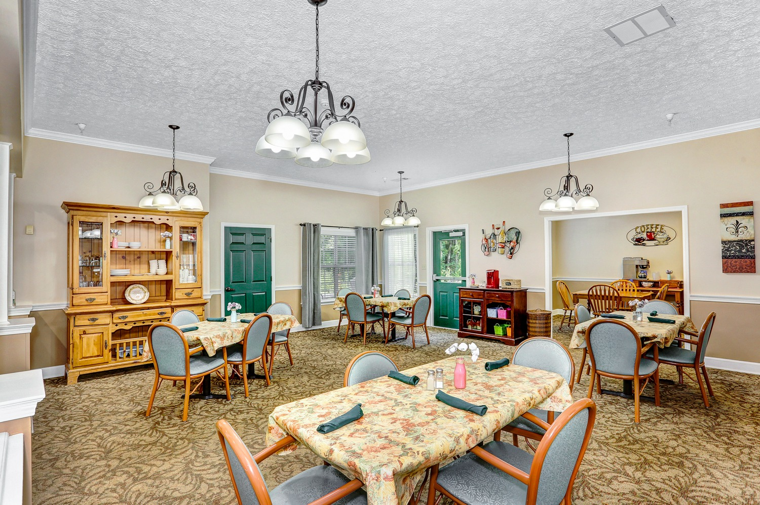 Country Cottage Decatur - Dining Room