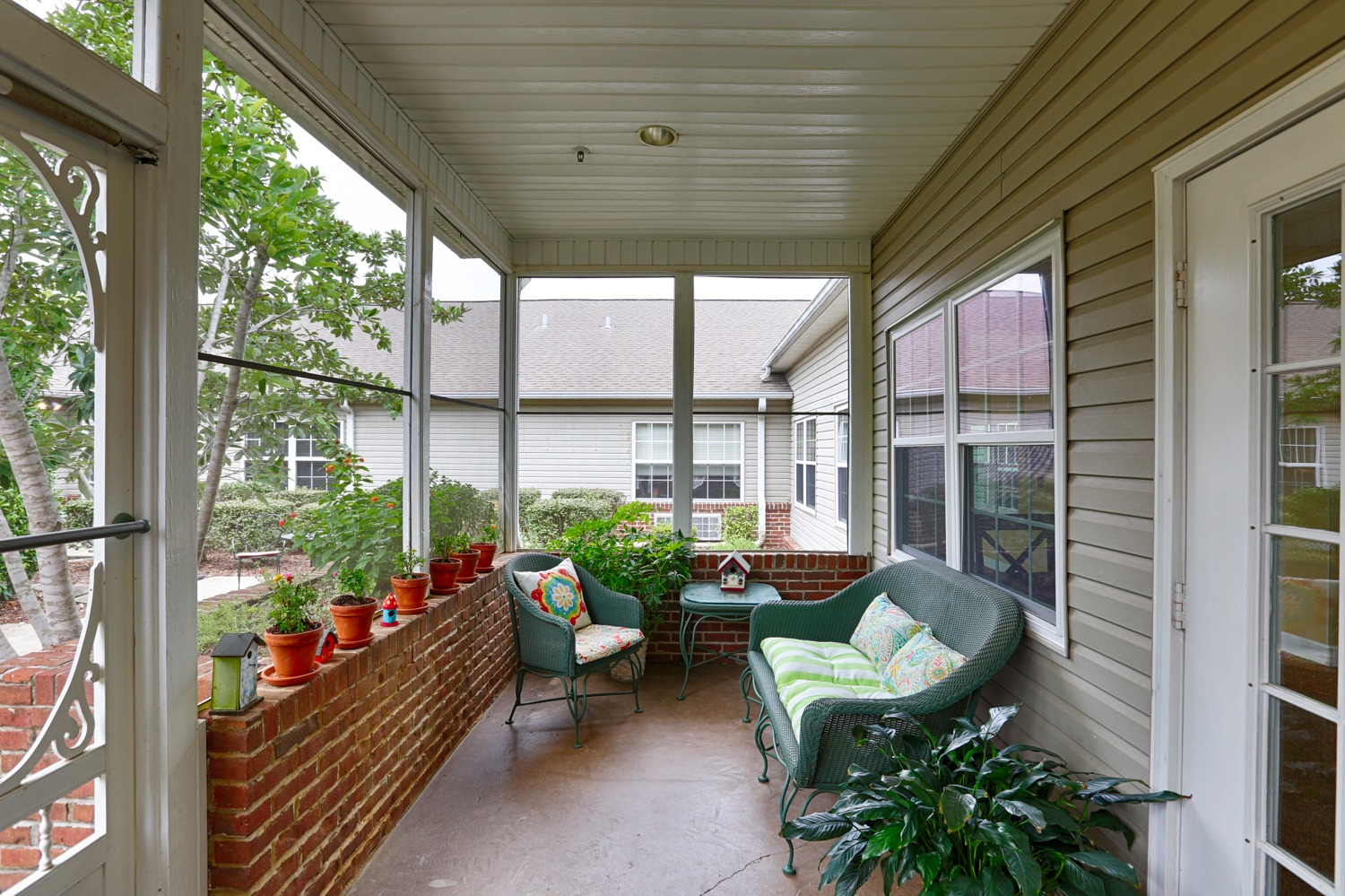 Columbia Cottage Florence - Outdoor area porch with furniture