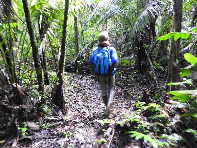 Hiking-in-Sani-Isla