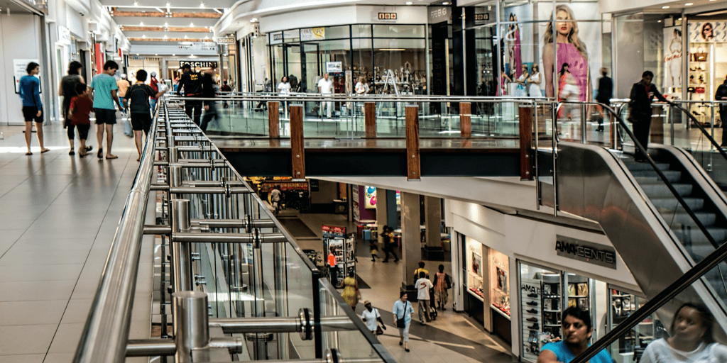 photo of people at the mall.