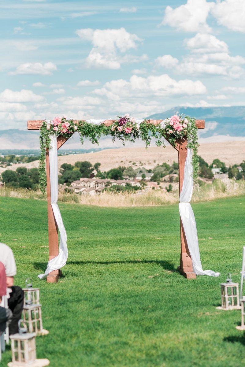 Redlands Mesa Golf Club Wedding   Photos by Amanda Matilda Photography