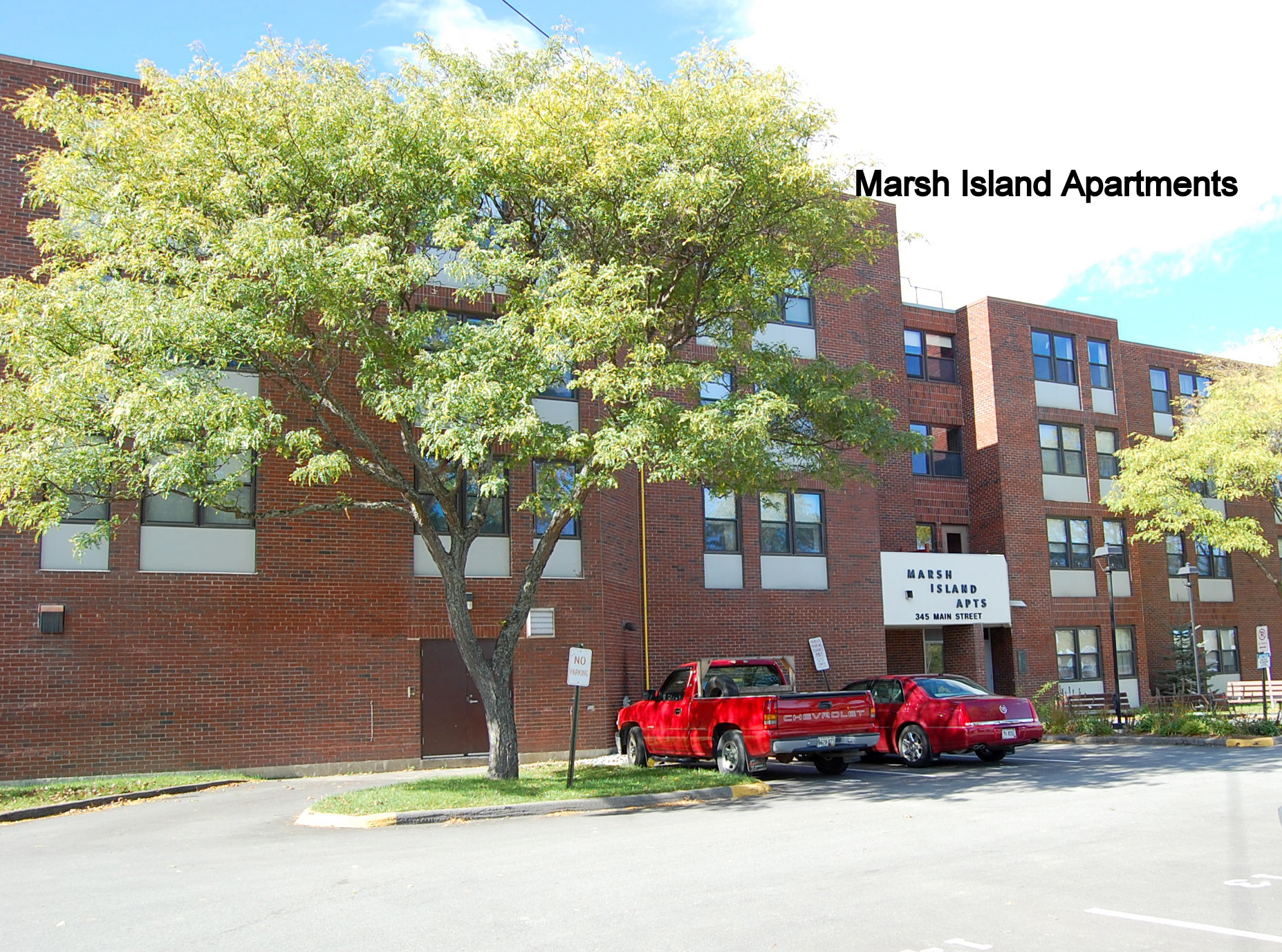 Marsh Island Apartments