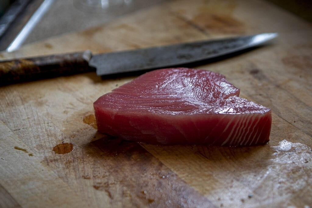 nccoastobx, fresh tuna, tuna poke, rare tuna, seafood restaurant OBX