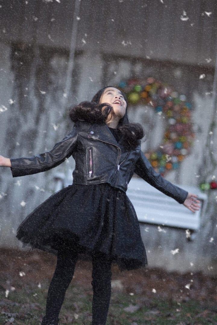 Loudoun County mini session, girl in snow