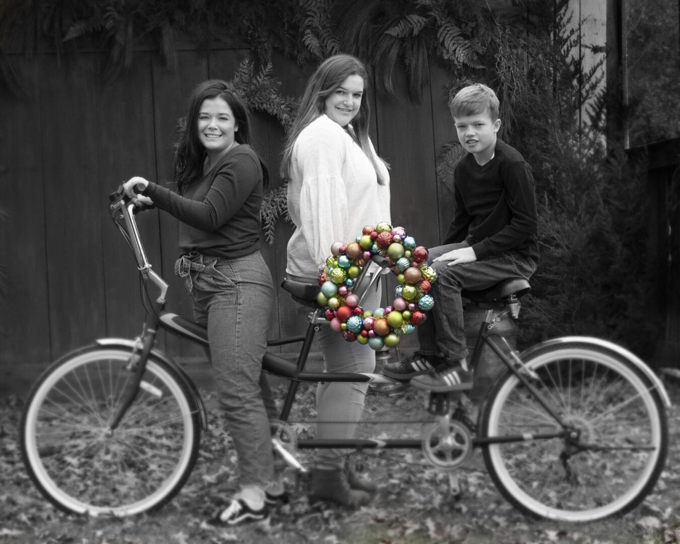 Leesburg Holiday photo sessions on old bike with wreath