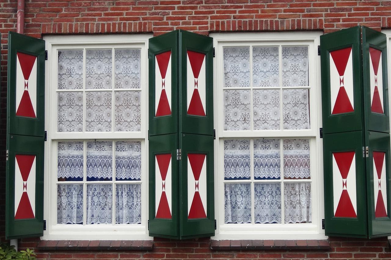 Double-Hung Sliding Windows